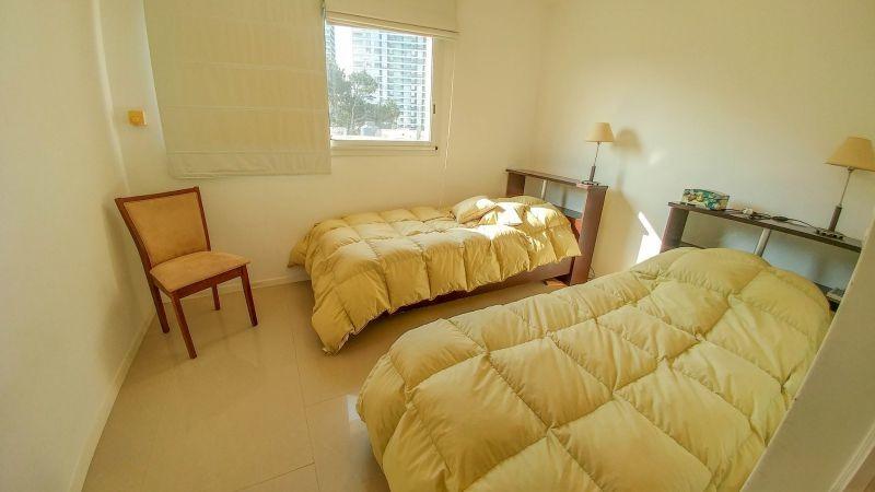 venta apartamento 4 dormitorios aidy grill/roosevelt,
