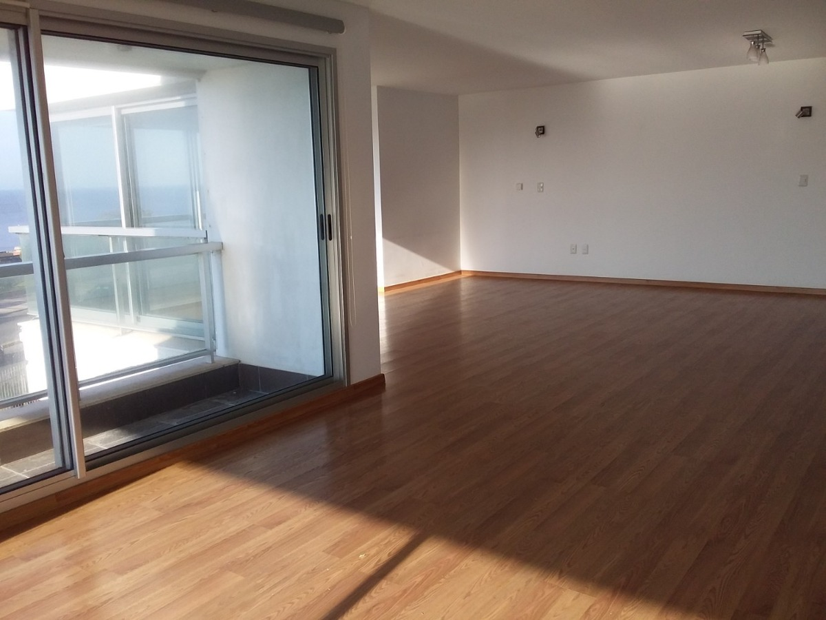 venta   apartamento a  frente al mar en  rambla malvin