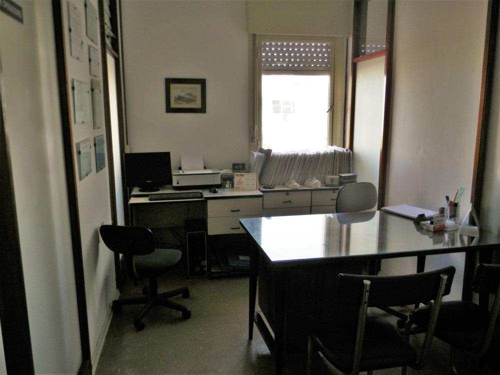 venta apartamento centro, 2 dormitorios, ideal consultorio