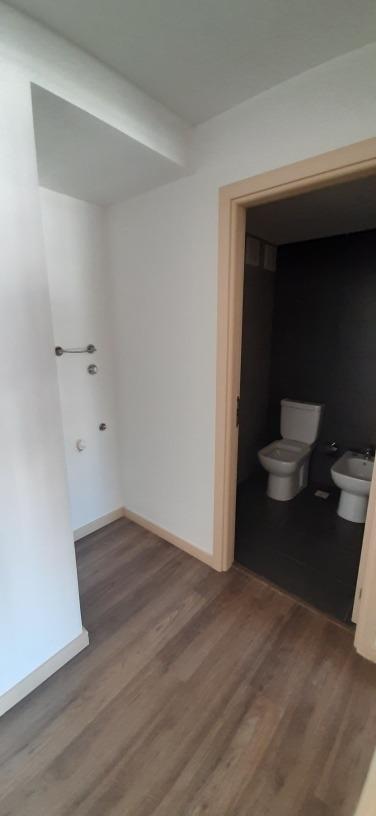 venta apartamento  de 2 dormitorios al frente con balcon 601