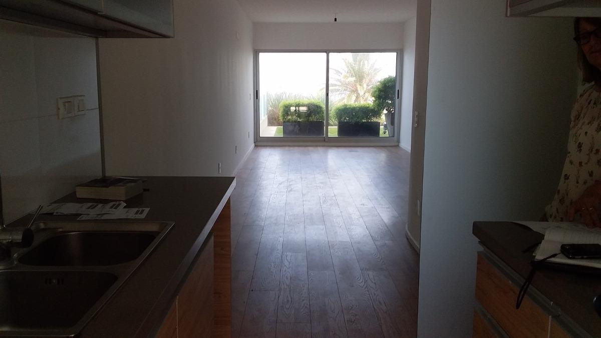 venta apartamento en malvin con patio