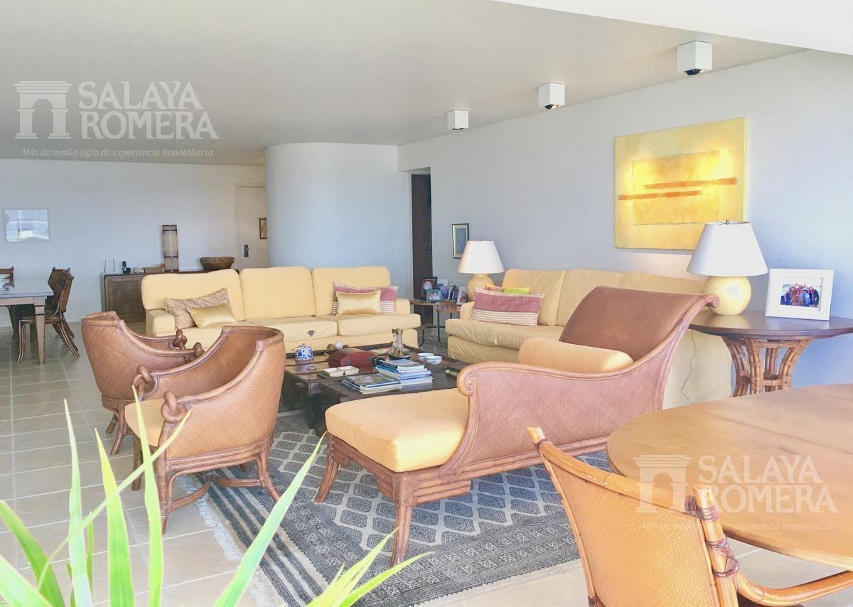 venta apartamento en playa brava, 3 dormitorios, 3 baños, dependencia de servicio, garage
