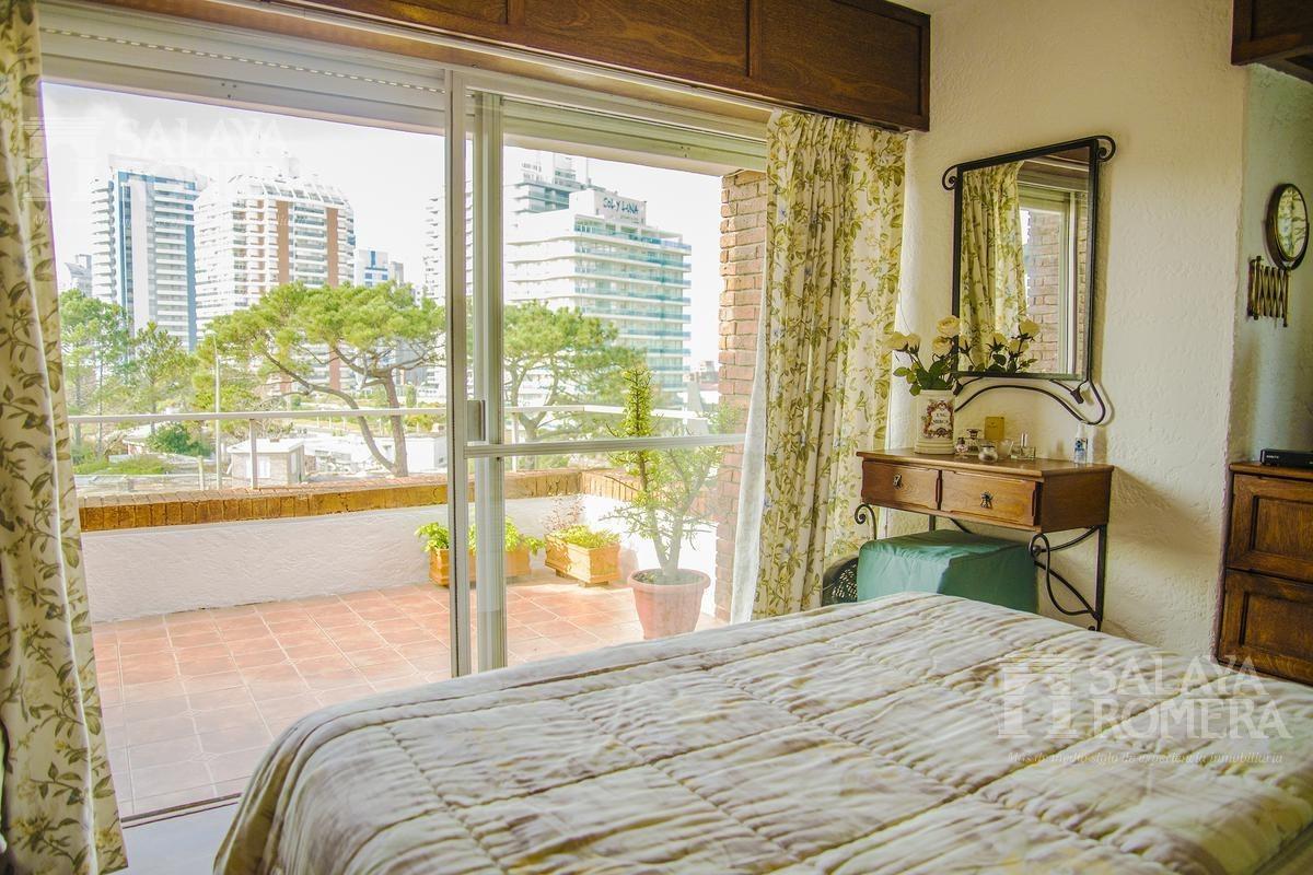 venta - apartamento en punta del este, 1 dormitorio y medio.
