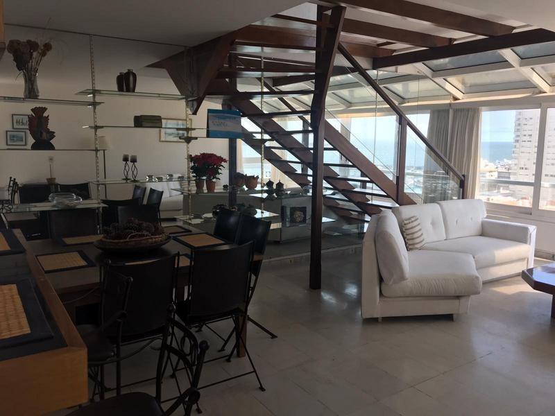 venta apartamento piso alto vista al puerto