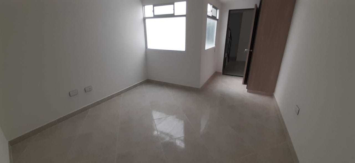 venta apartamento tercer piso con mansarda, terraza y parque