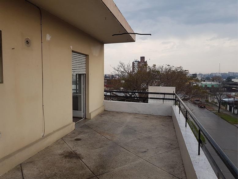 venta apto.   parque batlle   1 dorm.   con  gran terraza