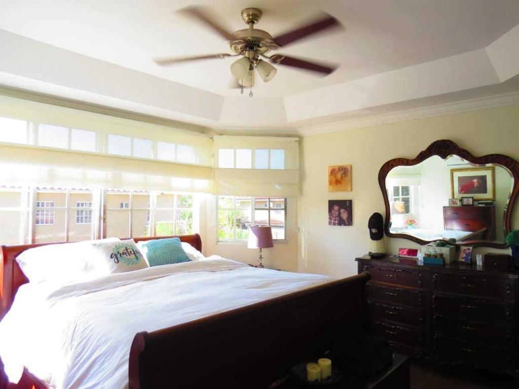 venta bella casa en dorado lakes condado del rey panama