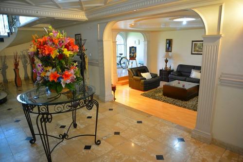 venta bonita y amplia casa en la virgen metepec