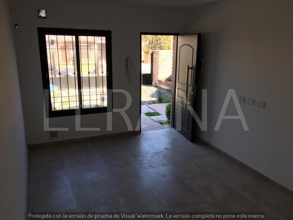 venta c/ renta duplex 3 amb con patio y cochera. ituzaingo n