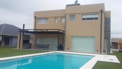 venta canning barrio cerrado casa 3 dorm, cochera y piscina
