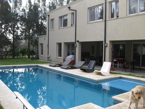 venta canning barrio cerrado casa 5 dorm, galería, piscina!