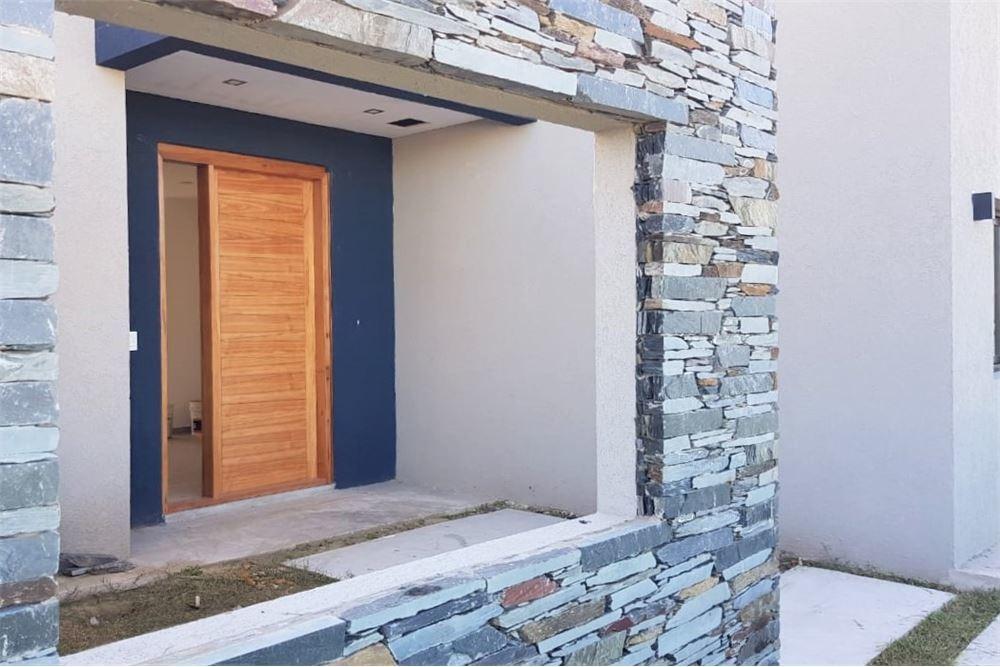 venta casa 1 planta 5 ambientes con piscina cantón