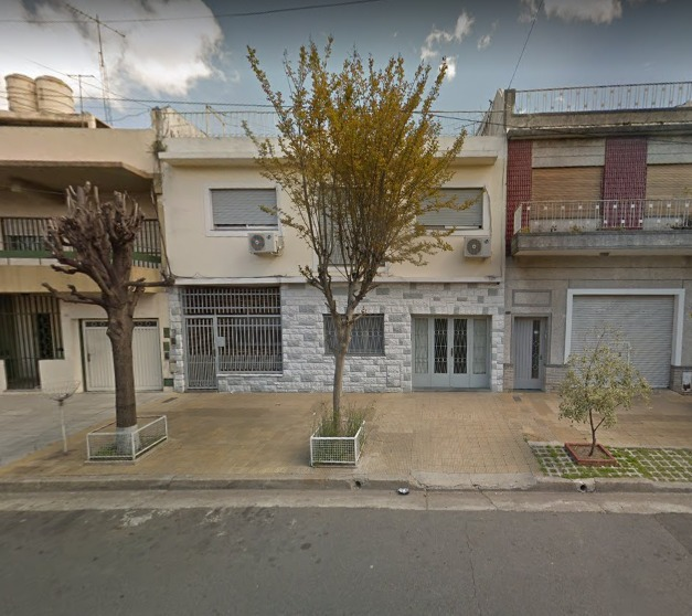 venta casa 10 ambientes parque avellaneda 2 familias