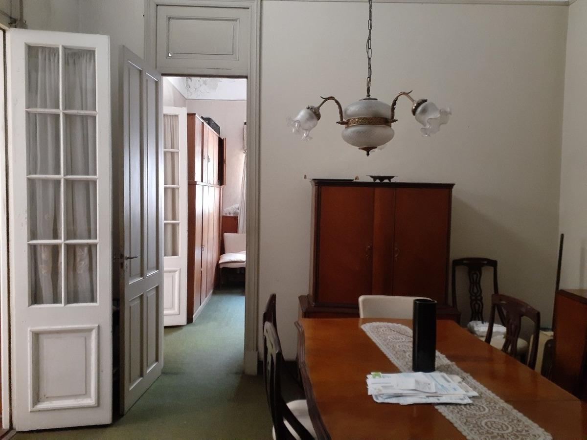 venta -- casa 2 /3 dor. entrada imperial. cocina comedor.