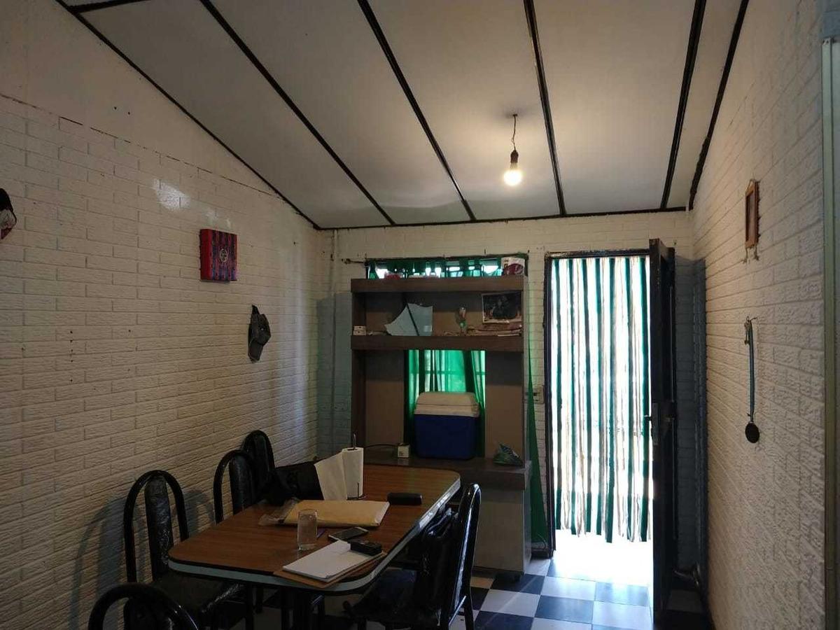 venta casa 2 ambientes en glew con cochera