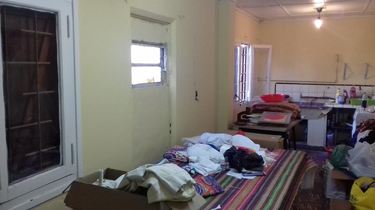 venta casa 2 dorm. - patio - galeria cerrada quincho - lobos