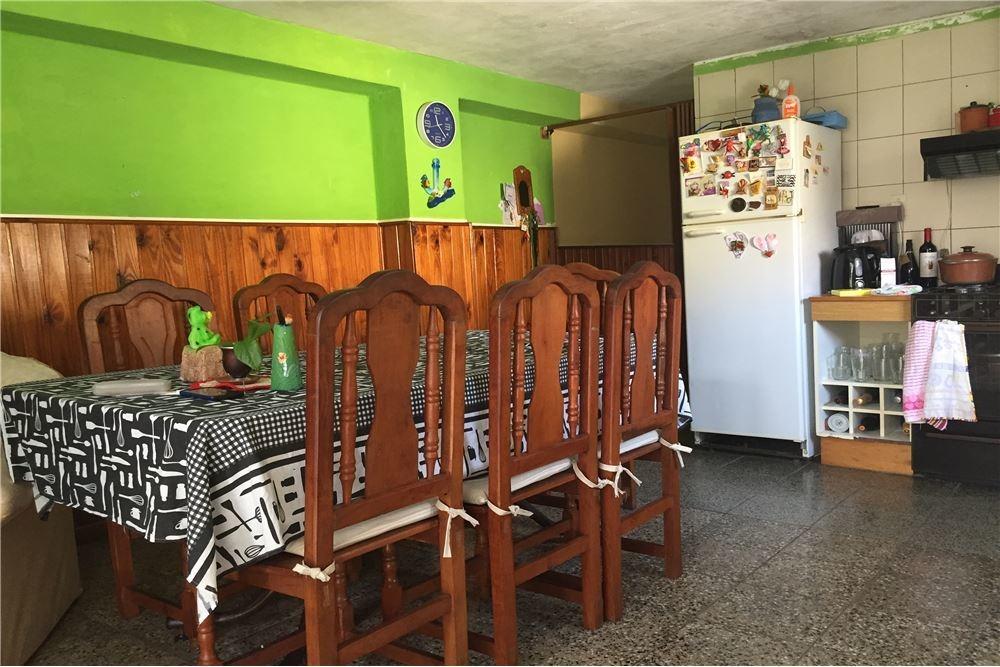 venta-casa- 2 dormitorios-169m2-lote propio