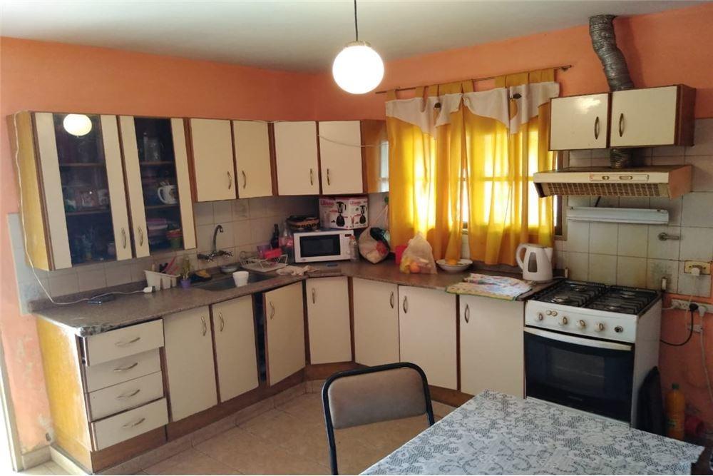 venta casa 2 dormitorios+depto a reciclar,matienzo