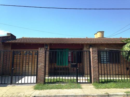 venta casa 2 dormitorios en 84 (9 y 9 bis), la plata