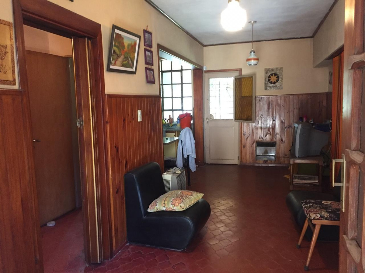 venta casa 2 dormitorios en excelente zona llavallol