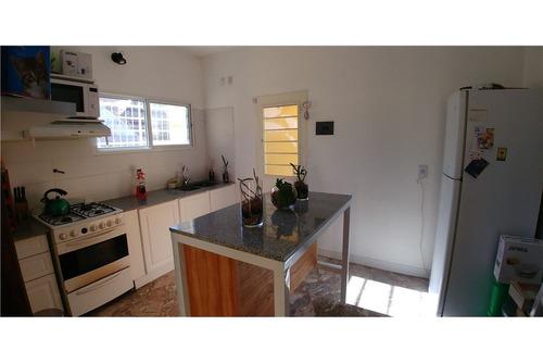 venta casa 2 dormitorios + escritorio v. domínico