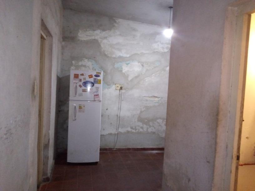 venta casa 2 dormitorios, patio con parrillero. zona la paz