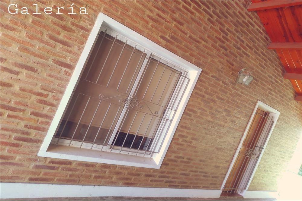 venta casa 2 dormitorios quincho la casona roldan