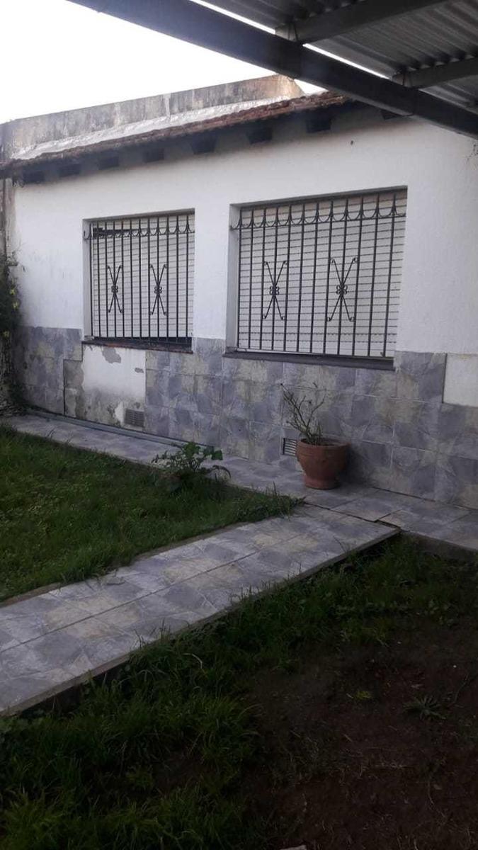 venta casa 2 dormitorios villa elvira 84 e/ 10 y 11 la plata