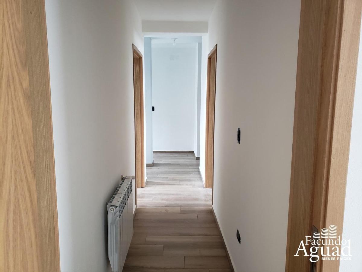 venta casa 2 plantas 3 dormitorios 3 baños manantiales