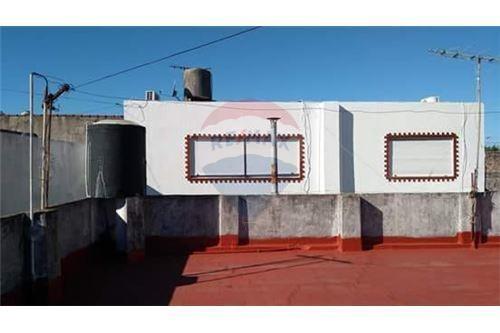 venta casa 3 amb. con terraza propia