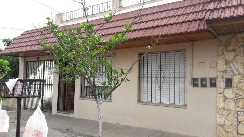 venta casa 3 amb lanus cochera y terreza