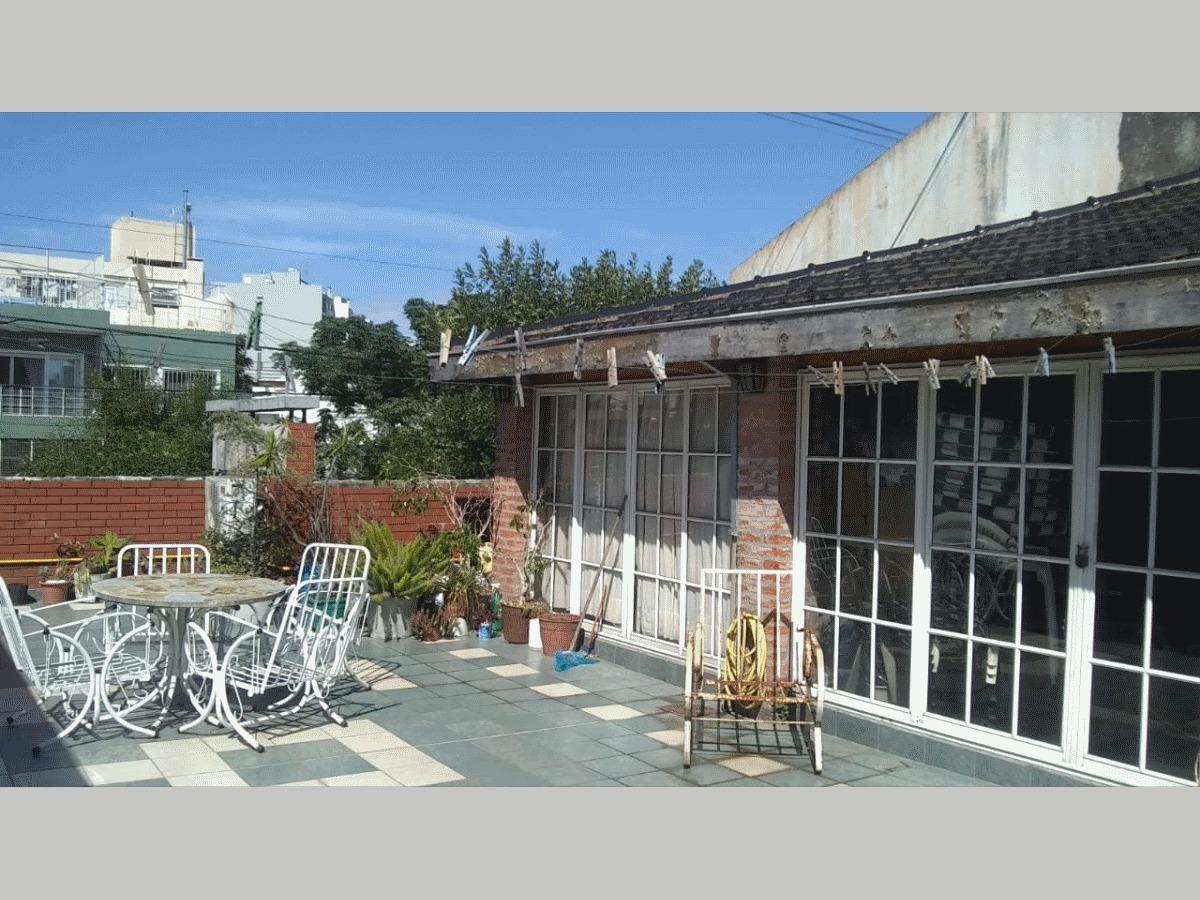 venta casa 3 ambientes 2 baños cochera quincho velez 636