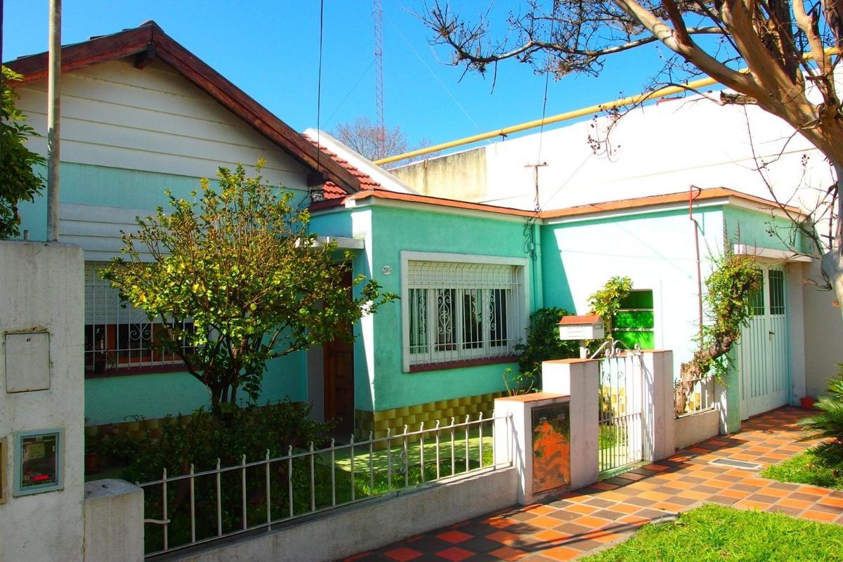 venta casa 3 ambientes con garage y patio en munro