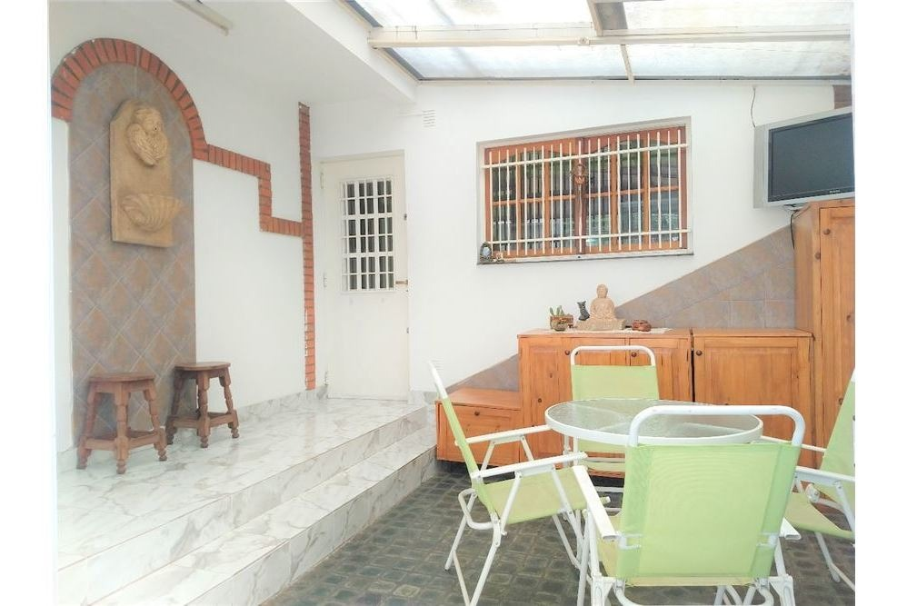 venta casa 3 ambientes con patio y cochera