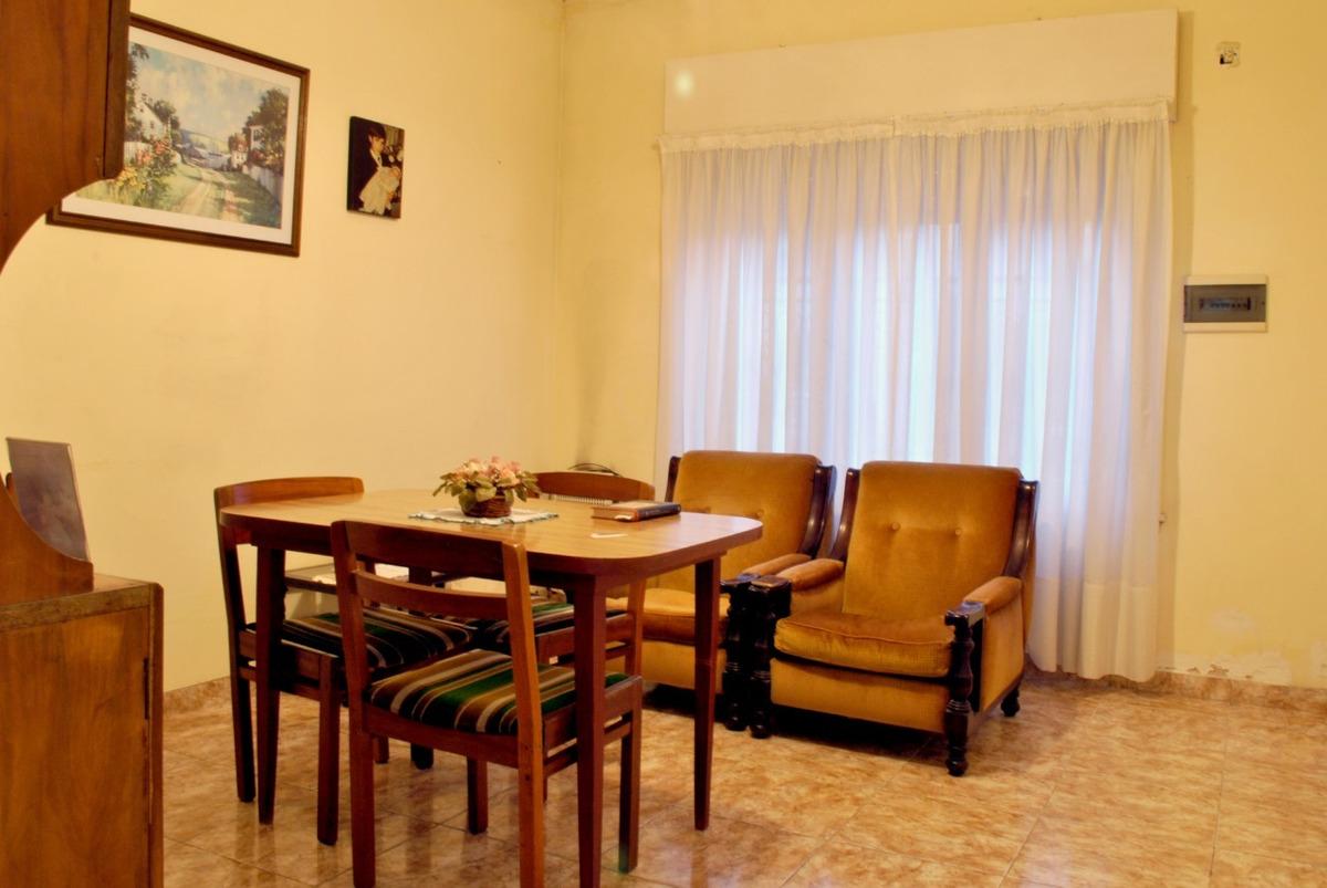 venta casa 3 ambientes en castelar sur