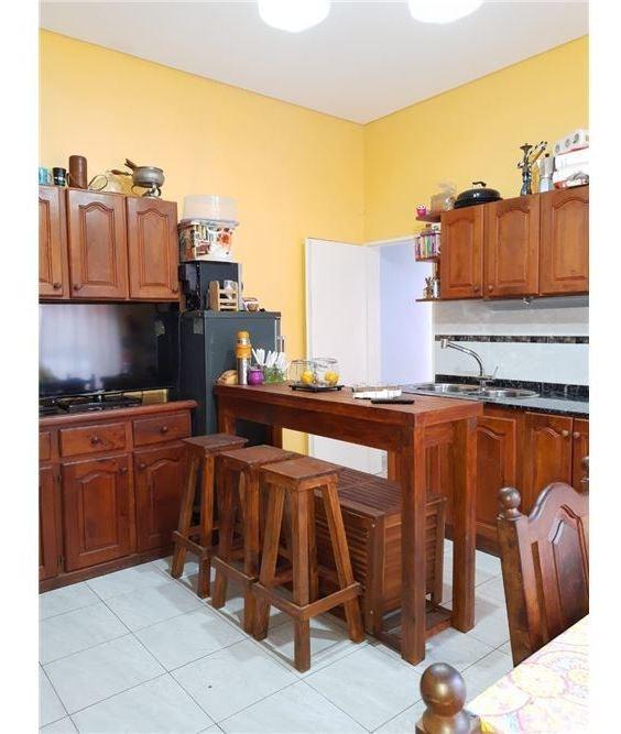 venta casa 3 ambientes - reciclada - lote propio