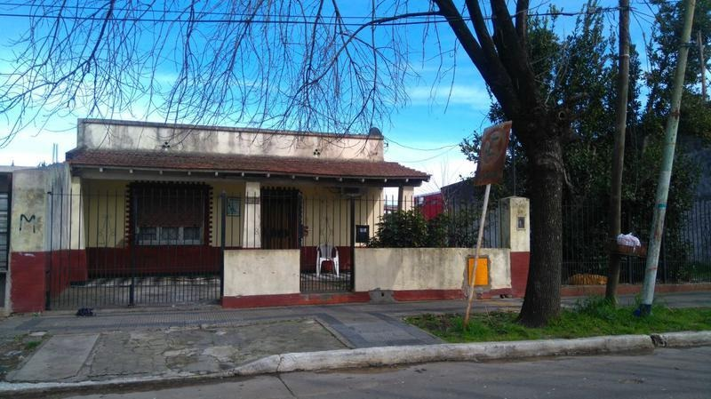 venta casa 3 ambientes zona centrica de ezeiza