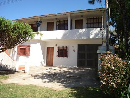 venta casa+3 departamentos 3 ambientes las toninas con parqu
