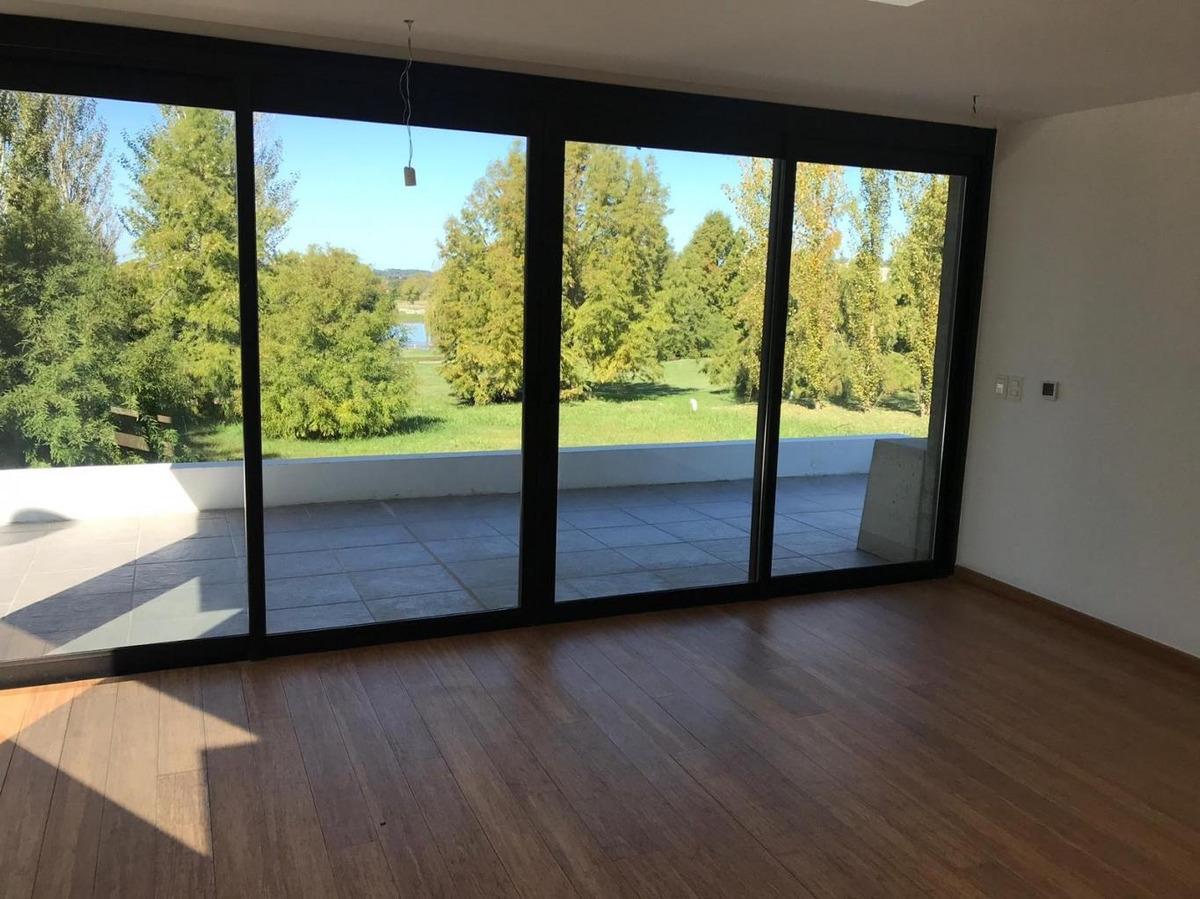 venta casa 3 dormitorios 3 baños lomas de la tahona excelente diseño y calidad #422