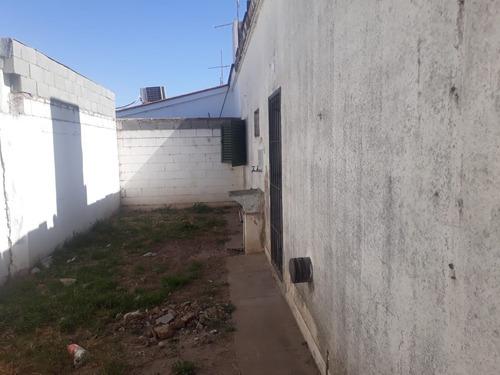 venta - casa 3 dormitorios a refaccionar - arguello