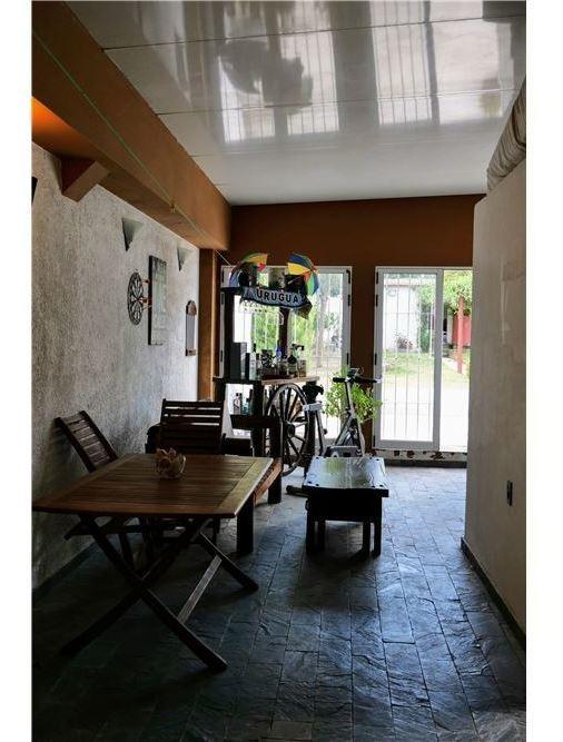 venta casa 3 dormitorios, barbacoa y piscina.