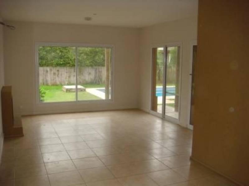 venta casa 3 dormitorios y escritorio en glorietas