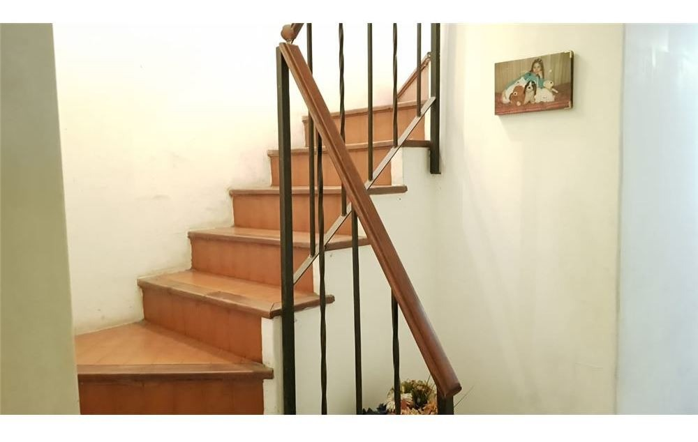 venta casa 4 amb con garage a reciclar - bernal-
