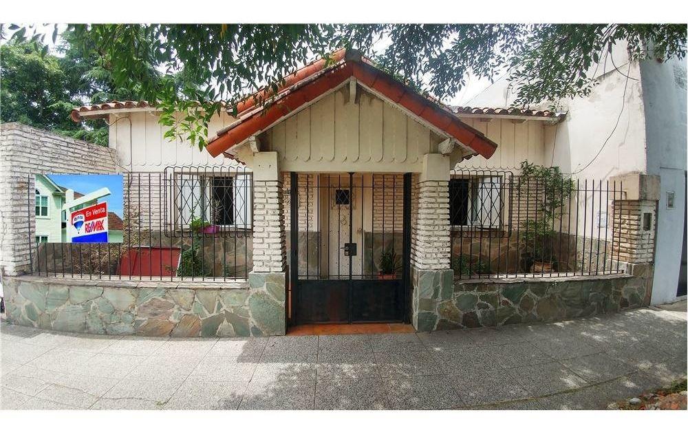 venta casa 4 amb con patio retasada padua