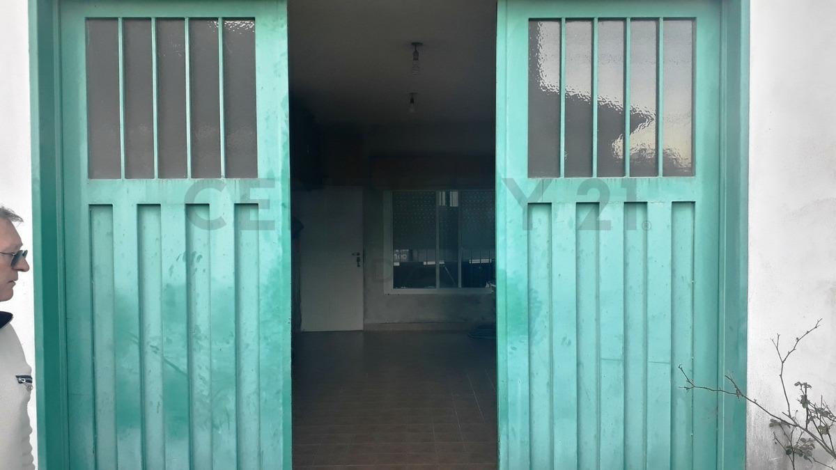 venta casa 4 amb. en dos plantas  con parque quilmes oeste
