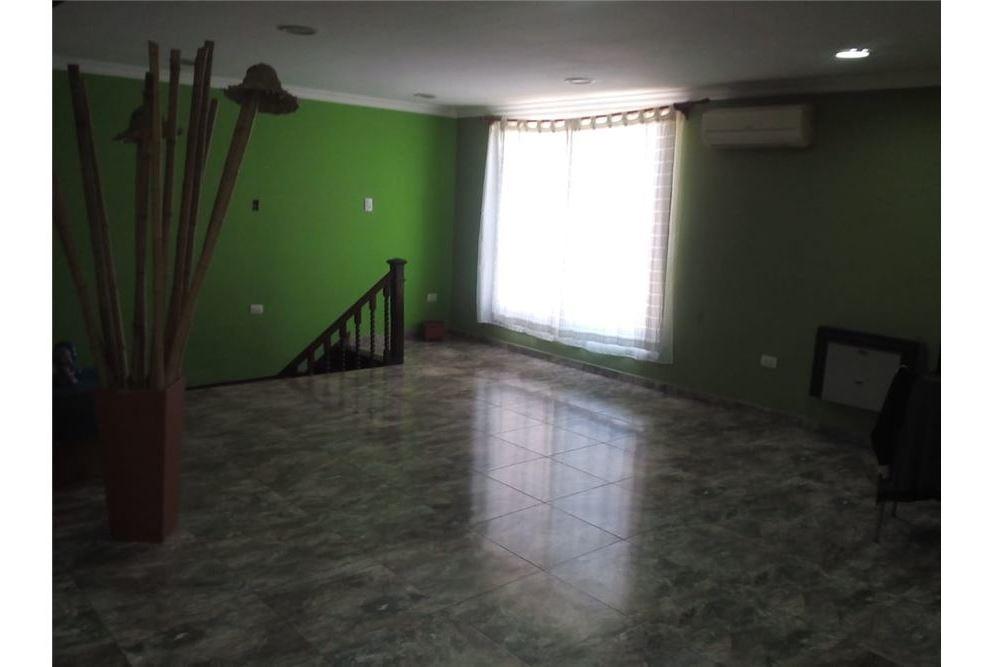 venta casa 4 ambientes  a estrenar 14 de julio 580