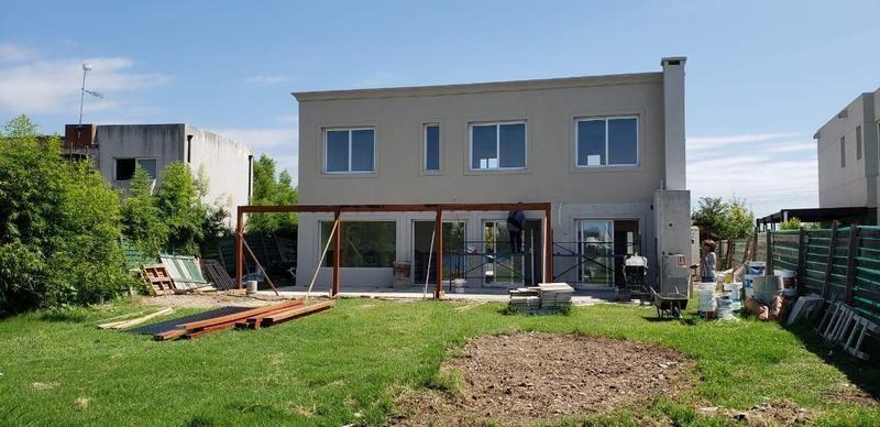 venta casa 4 ambientes barrio san francisco a estrenar villanueva