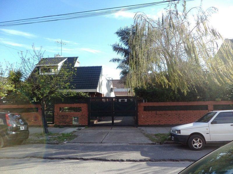 venta casa 4 ambientes | colon al 2900 (lomas del mirador)