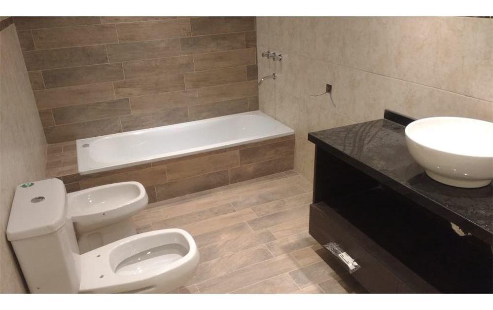 venta casa 4 ambientes con cochera cubierta
