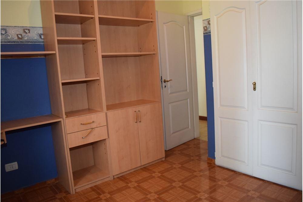 venta casa 4 ambientes con pileta escobar
